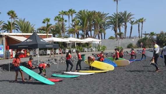 Courses of surf in winter for children (only residents)